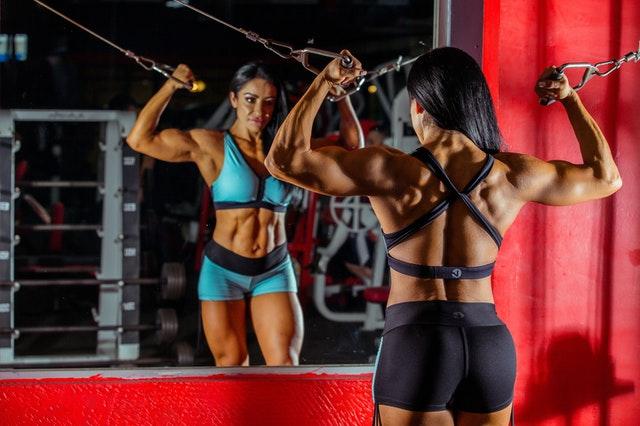 Žena - bikini fitness