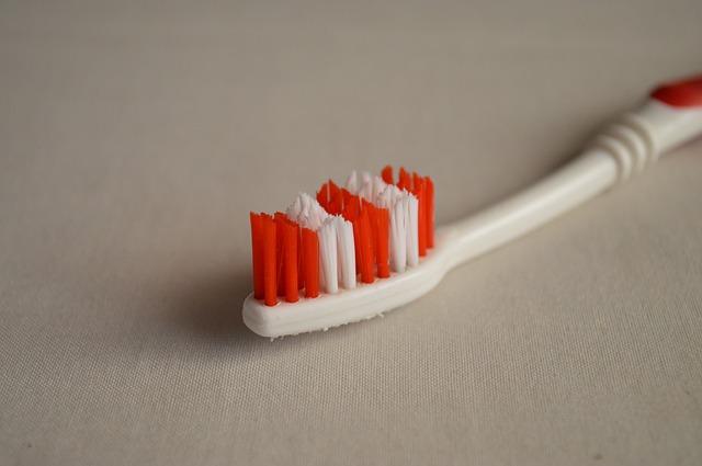 zubní kartáček.jpg