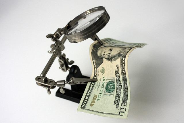 bankovka pod lupou, dolar